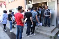 ASKER UĞURLAMASI - Kocaeli'de Üniversite Öğrencilerinin Sınav Heyecanı Başladı
