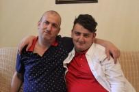 YAŞAM MÜCADELESİ - (Özel) Hayatını Engelli Oğluna Adayan Babaya  'Yılın Babası' Plaketi