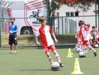 1 EYLÜL - Samsunspor Futbol Okulu Yaz Sezonu 1 Temmuz'da Başlıyor