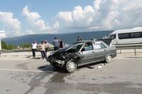 D100 KARAYOLU - Tosya D100 Karayolunda Kaza Açıklaması 3 Yaralı