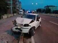 112 ACİL SERVİS - Aliağa'da 3 Araç Kaza Yaptı Açıklaması 2 Yaralı
