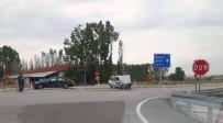 112 ACİL SERVİS - Çavdarhisar'da Trafik Kazası Açıklaması 2 Yaralı