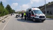 112 ACİL SERVİS - Genç Mimarın Otomobili Bariyerlere Çarparak Takla Attı