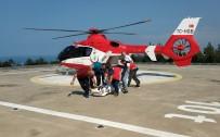 TıP FAKÜLTESI - Meslektaşları Kazada Kalbi Duran Doktoru Kurtarmak İçin Seferber Oldu