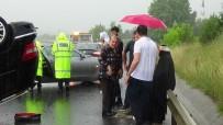 AŞIRI YAĞIŞ - TEM'de Lüks Araç Takla Attı Açıklaması 4 Yaralı