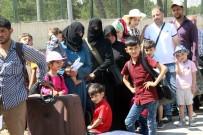 20 bin Suriyeliden 4 bini Türkiye'ye döndü