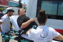 3 Kişinin Yaralandığı Kazada, Araçtan Düşen 14 Bin TL'yi Vatandaş Buldu