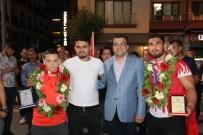 AVRUPA ŞAMPİYONU - Çan'da Avrupa Şampiyonu Güreşçisine Coşkulu Karşılama