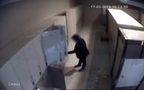 KAMERA - Otellerin SPA Merkezine Dadanan Hırsız Kamerada