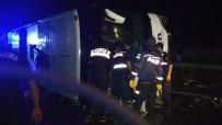 Yolcu Otobüsü Devrildi Açıklaması 16 Yaralı