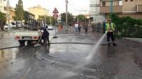 Darıca'da Selden Sonra Başlatılan Temizlik Çalışmaları Sürüyor