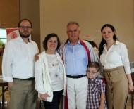 DONDURULMUŞ GIDA - Diplomasını Almaya Torunuyla Geldi