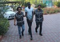 1 EYLÜL - Kemer'de Ortalığı Birbirine Katıp 3 Kişiyi Yaralayan Sudanlı Saldırgan Serbest Bırakıldı