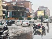 Niğde'de Şiddetli Yağış Sonrası Yollar Göle Döndü