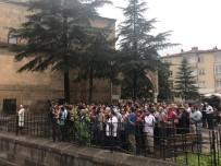 Niğde'de STK'lar Mursi İçin Gıyabi Cenaze Namazı Kıldı