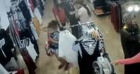 (Özel) Çocuk Hırsız 5 Yaşındaki Kardeşinin Elini Tutarak İş Yerinden Çıktı