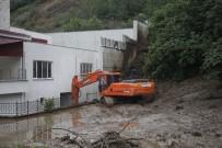 Sağanak Yağış Giresun'da Heyelana Neden Oldu
