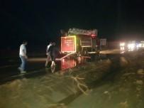 Sel Yolu Yardı Açıklaması Yozgat-Ankara Karayolu Trafiğe Kapandı