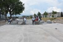 EDREMIT BELEDIYESI - Edremit Belediyesi Parke Taşı Döşeme Çalışmalarını Sürdürüyor