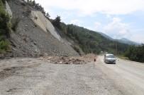Kastamonu'da Sahil Yolu Sürücüleri Korkutuyor