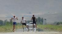 Kavurucu Sıcakta Tekerlekli Kayak Yarışması