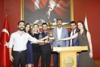 KUPA TÖRENİ - Stajyer Avukatlar, Kupalarını Törenle Aldı