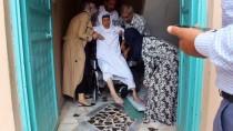 SOSYAL YARDıMLAŞMA VE DAYANıŞMA VAKFı - Suriyeli Yaşlı Kadının Tekerlekli Sandalye Sevinci