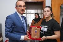 SEDDAR YAVUZ - Vali Yavuz, Şehit Ailesine 'Şehadet Belgesi'ni Takdim Etti