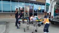 Yolcu Minibüsü İle Jeep Çarpıştı Açıklaması1'i Ağır 13 Yaralı