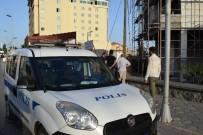 Malatya'da Kafasına Kiremit Düşen İşçi Yaralandı
