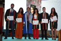 AKDENIZ ÜNIVERSITESI - 183 Genç Hukukçu Yemin Edip Kep Fırlattı