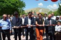 SOSYAL YARDıMLAŞMA VE DAYANıŞMA VAKFı - Adilcevaz'da El Sanatları Sergisi