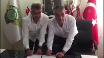 MERT NOBRE - Akhisarspor, Mehmet Altıparmak İle Sözleşme İmzaladı
