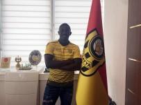 YENİ MALATYASPOR - Evkur Yeni Malatyaspor, Moryke Fofana İle 2 Yıllık Sözleşme İmzaladı