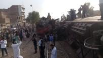 GÜVENLİK GÖREVLİSİ - Pakistan'da Tren Kazası Açıklaması 3 Ölü