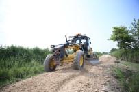 YOĞUN MESAİ - Pamukkale Belediyesi'nden Çiftçiler İçin Alt Yapı Atağı
