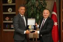 AKDENIZ ÜNIVERSITESI - Rektör Ünal'a Çevreci Üniversite Ödülü