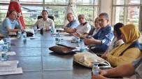 SOKAK KÖPEKLERİ - Akhisar Belediyesi, Başıboş Sokak Hayvanları İçin Toplandı