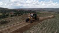 Çiftçiye Hasatta Kolaylık İçin Tarla Yolları Açıldı