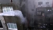 Gaziosmanpaşa'daki Yangında 4 Bina Hasar Gördü