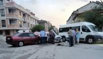 Kaza Yapan Otomobil Alev Aldı Açıklaması 1 Yaralı