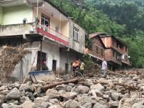 HASAR TESPİT - Trabzon'un Araklı İlçesindeki Selin Ardından Afet Bölgesinde Çalışmalar Sürüyor