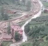 HASAR TESPİT - Yeşilyurt'ta Da Sel Böyle Gelmiş