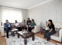 GÜLHANE - Celal Uzunkaya'dan Yaralı Polislere Anlamlı Ziyaret