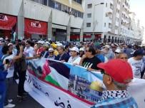 İSRAIL BAYRAĞı - Faslılar 'Yüzyılın Anlaşması'nı Protesto Etti