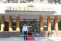 İsviçre'den Geldi, Çınarcık'a Modern Bir Otel Kazandırdı