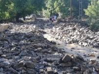Yahyalı'da Sağanak Yağış Sele Neden Oldu