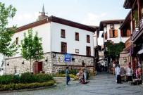 RESTORASYON - Büyükşehir Belediyesi, Başkent'in Tarihine Sahip Çıkıyor
