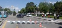 YAYA GEÇİDİ - Büyükşehir'den 'Yaya Öncelikli Trafik' Düzenlemesi