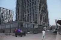 KANALİZASYON - Diyarbakır'da Güvenlik Tedbirleri Alınmayan İnşaatlar Tehlike Saçıyor